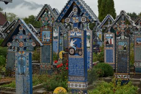 Linksmosios kapinės Rumunijos šiaurėje (Marimureš regione)